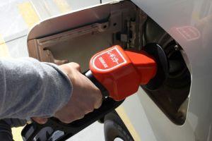 あなたのガソリンの入れ方は大丈夫?正しい入れ方を調べました!のサムネイル画像