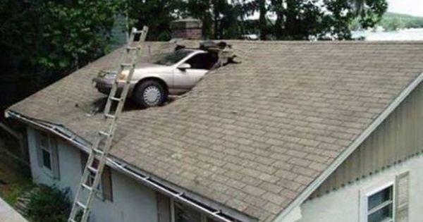 【なぜこうなった!!?】信じられないエクストリーム駐車まとめのサムネイル画像