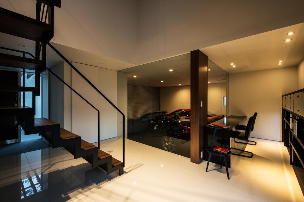 車庫ガレージは男の夢!車庫ガレージを建てるのに大切な事!のサムネイル画像
