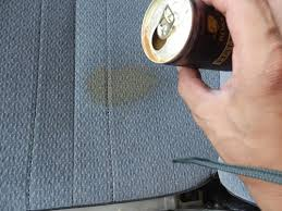 うっかりついた車のシートの汚れを落とす方法知っていますか?のサムネイル画像