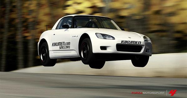 まるでマリオカート!?車で100メートルジャンプ 動画のサムネイル画像